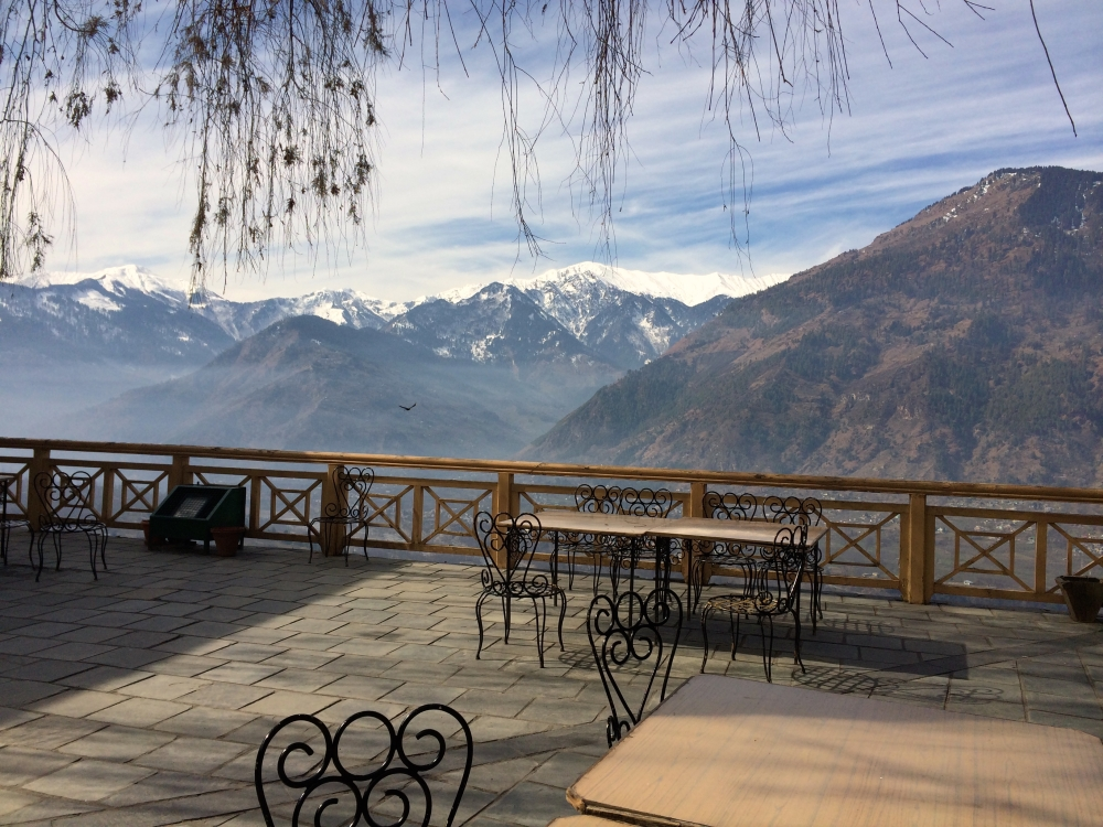 Sit like a King in the courtyard of the Naggar Castle