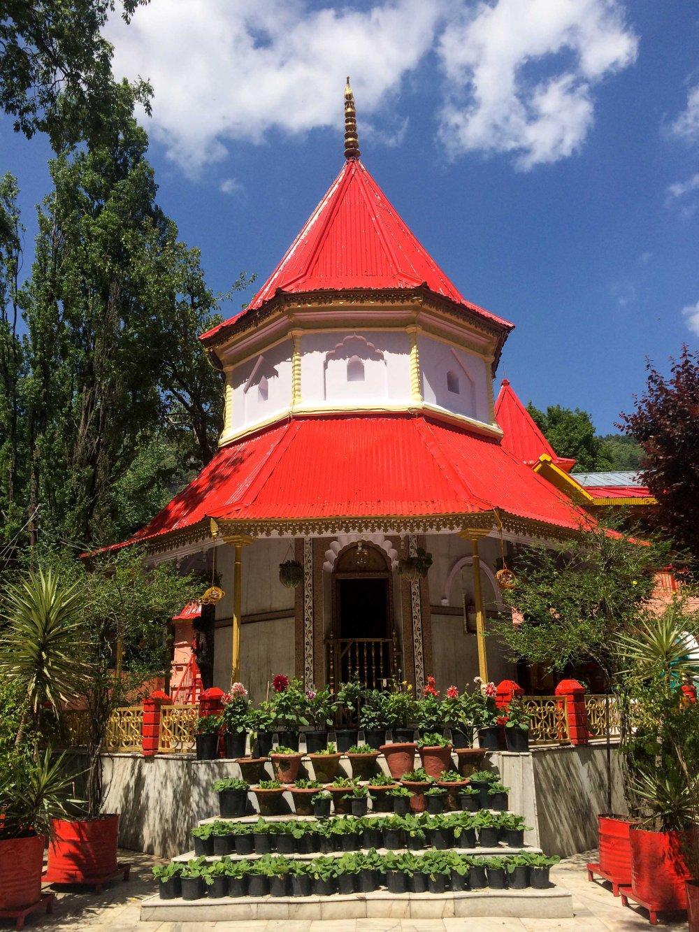 Naina Devi Temple 1