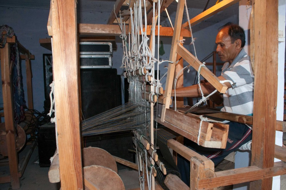 Kausani Shawl Factory Workshop